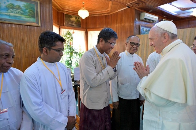 Pope Francis meets the Religious Leaders of Myanmar in the Archbishop's House in Yangon, Myanmar November 28, 2017. Osservatore Romano/Reuters