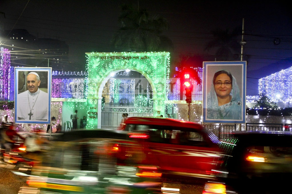 The St Mary's Cathedral at Ramna Road in Dhaka's Kakrail is lit up on Wednesday evening, a day ahead of Pope Francis' three-day visit to Bangladesh. Photo: tanvir ahammed