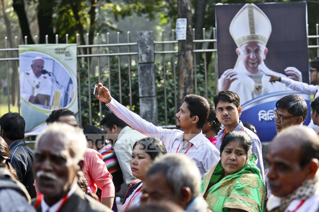 Around 80,000 Catholics from across Bangladesh joined a huge outdoor Mass in Dhaka's Suhrawardy Udyan, where Pope Francis ordained new priests. Photo: tanvir ahammed