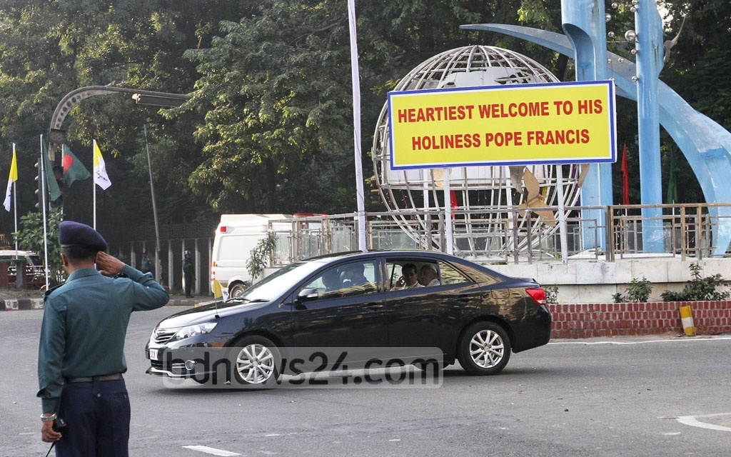Pope Francis, who is in Bangladesh for a three-day visit, heads to St Mary's Cathedral in Dhaka's Kakrail on Friday to meet the Bishops in Bangladesh and to attend an inter-religious gathering. Photo: dipu malakar