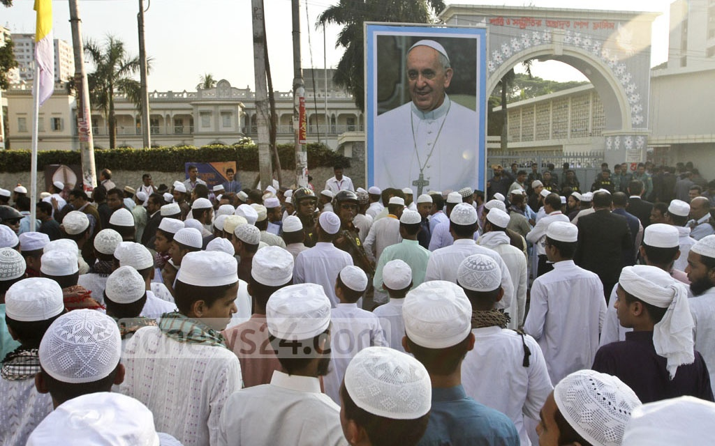Over 100 students of Tejgaon Railway Jamia Islamia Madrasa join an interreligious conference with Pope Francis at St Mary's Cathedral in Dhaka's Kakrail on Friday. Photo: dipu malakar