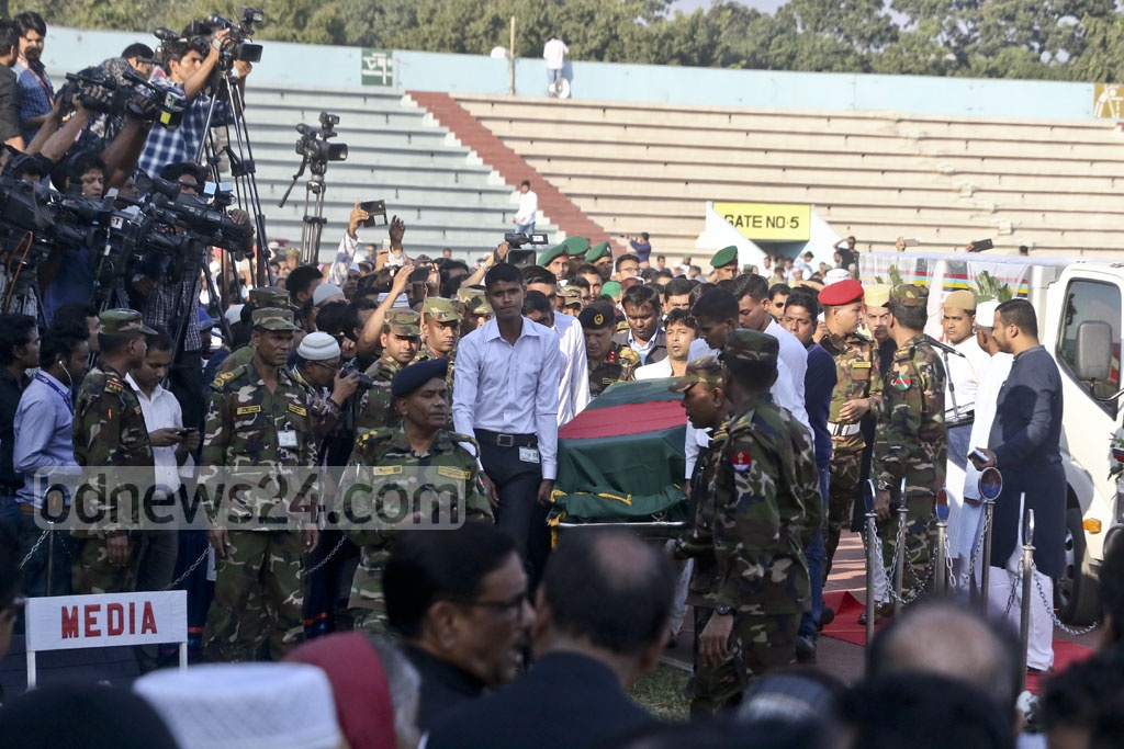 DNCC mayor Annisul Huq's coffin being brought to Army Stadium for funeral prayers on Saturday. Photo: tanvir ahammed