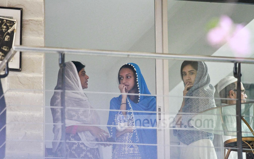 Members of Annisul Huq's grieving family at his home in Banani. Photo: tanvir ahammed