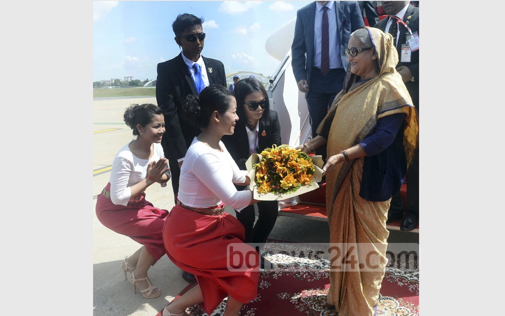 Prime Minister Sheikh Hasina was warmly received at the Phnom Penh International Airport on Sunday as she started a three-day official visit to Cambodia. Photo: Saiful Islam Kallol