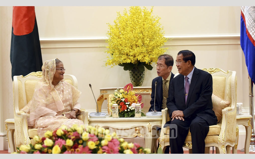 Prime Minister Sheikh Hasina meets her Cambodian counterpart Hun Sen at his office Peace Palace in Phnom Penh on Monday. Photo: Saiful Islam Kallol