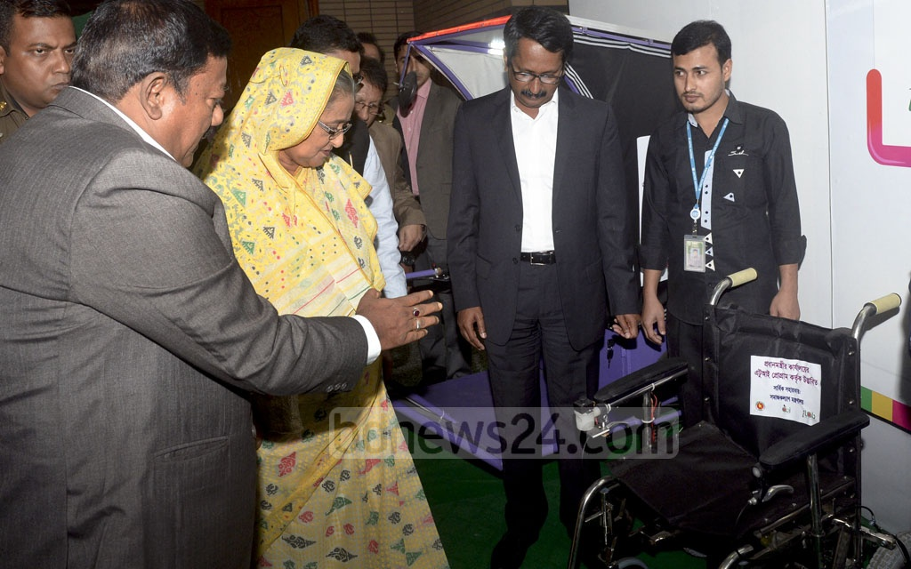 Prime Minister Sheikh Hasina visited the stalls of the four-day Digital World 2017 exposition after inaugurating it on Wednesday at Dhaka's Bangabandhu International Conference Centre. Photo: PID