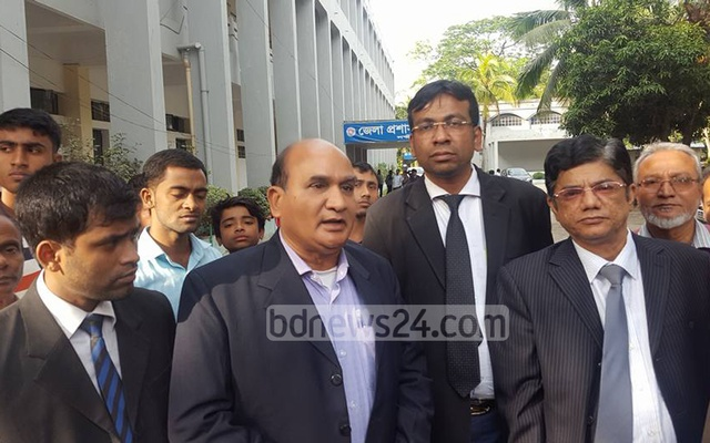 Retired public servant Salah Uddin Sharif leaving the court on Wednesday after he was acquitted of the charges . Photo: bdnews24.com