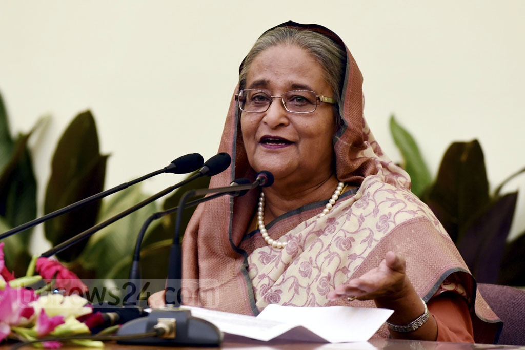 Prime Minister Sheikih Hasina speaks at a news conference at the Ganabhaban on Thursday on her Dec 3-5 state visit to Cambodia. Photo: Saiful Islam Kallol
