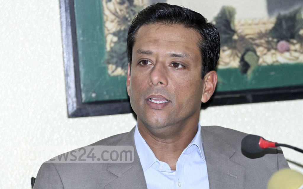Prime Minister Sheikh Hasina's son and her ICT affairs adviser, Sajeeb Wazed Joy, speaks to the media after attending a meeting with Awami League leaders at AL chief's Dhanmondi office on Monday. Photo: Dipu Malakar