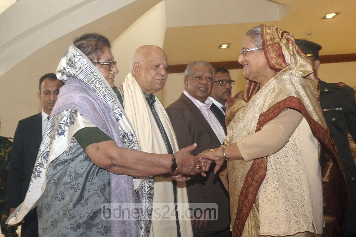 Cabinet members and government officials seeing off Prime Minister Sheikh Hasina at the Dhaka airport on Monday, when she left for Paris to attend the One Planet Summit. Photo: PID