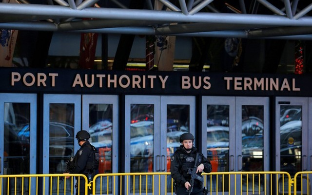 One person in custody after New York City subway explosion