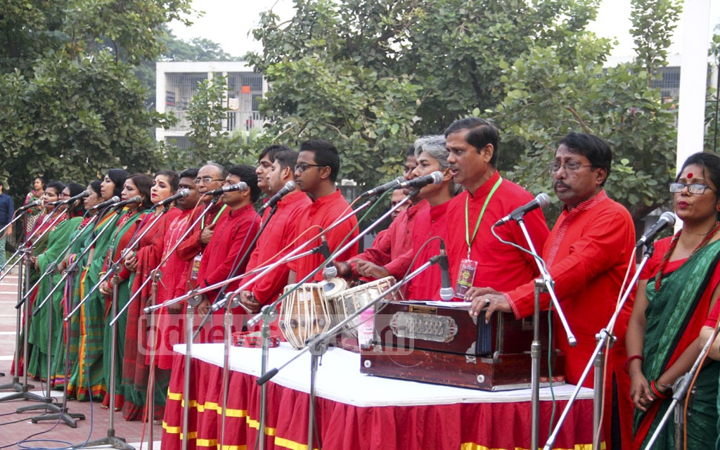 The week-long Victory Celebration organised by Sammilita Sansgkritik Jote or the central platform of cultural organisations starts with the national anthem at the Central Shaheed Minar in Dhaka on Wednesday.