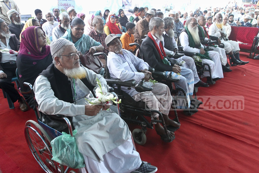 A section of the 1971 Freedom Fighters at a reception by the Dhaka North and South City Corporations at the Bangabandhu National Stadium on Wednesday. Photo: dipu malakar
