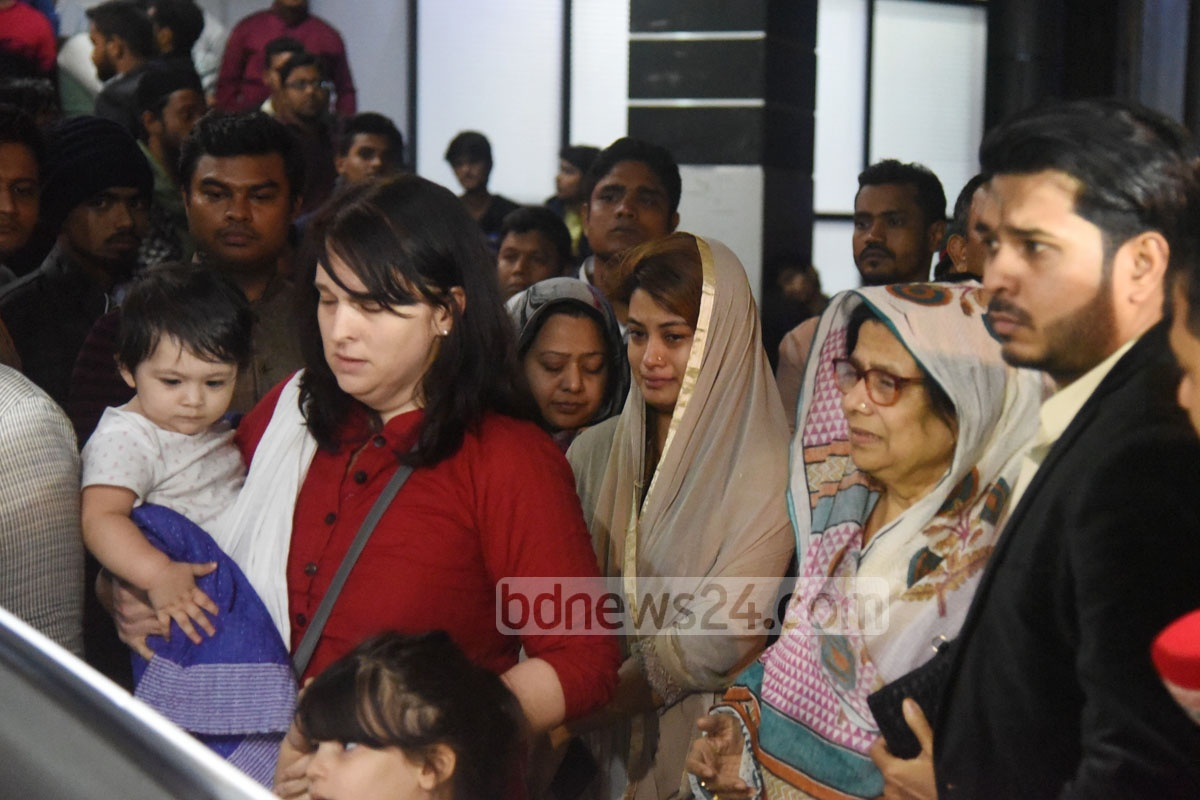 Family members gather at Chittagong's Max Hospital where Chittagong Metropolitan Awami League President and former mayor ABM Mohiuddin Chowdhury breathed his last early on Friday. Photo: suman babu