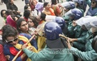 BNP activists clash with police outside a court in Bakshibazar after they tried to take out a procession surrounding Chairperson Khaleda Zia's convoy in old Dhaka on Wednesday. Photo: tanvir ahammed