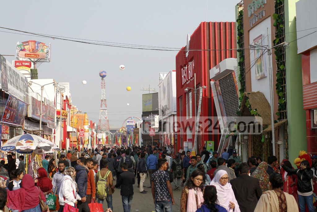 The Dhaka International Trade Fair or DITF enters into its 9th day on Tuesday with huge crowd flock to the fair venue at Sher-e-Bangla Nagar in the capital. Photo: asif mahmud ove