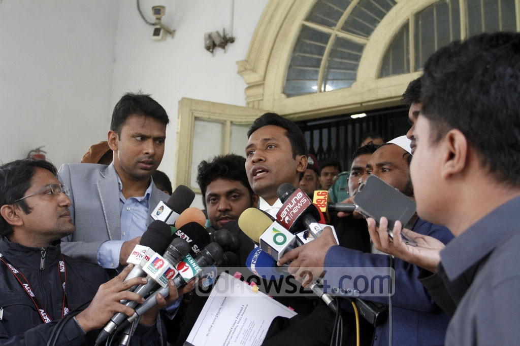 A defence lawyer of the Maulvibazar war crime convicts speaks to the media after the War Crimes Tribunal pronounced the verdict on Wednesday. Photo: asif mahmud ove