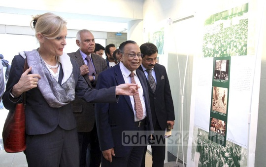 Foreign Minister AH Mahmood Ali and Netherlands Ambassador to Bangladesh Leoni Margaretha Cuelenaere visit the 'Anne Frank – A History for Today' exhibition at the Liberation War Museum on Saturday. Photo: Abdullah Al Momin