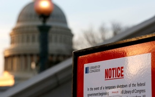 A sign announces the closure of the Library of Congress after President Donald Trump and the US Congress failed to reach a deal on funding for federal agencies in Washington, US, Jan 20, 2018. Reuters