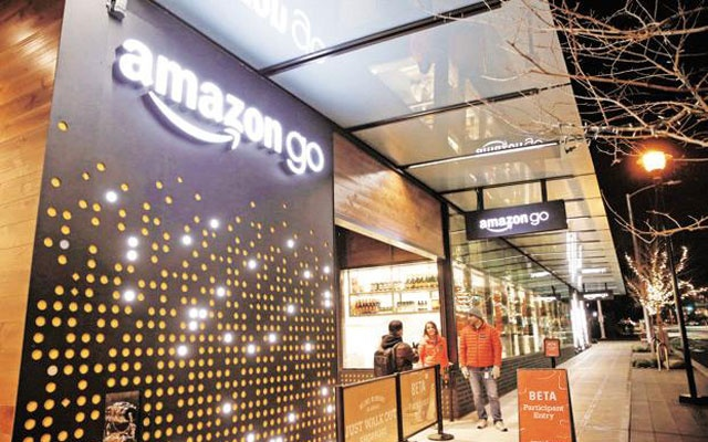Hasil gambar untuk Amazon Opens a Supermarket With no Checkouts