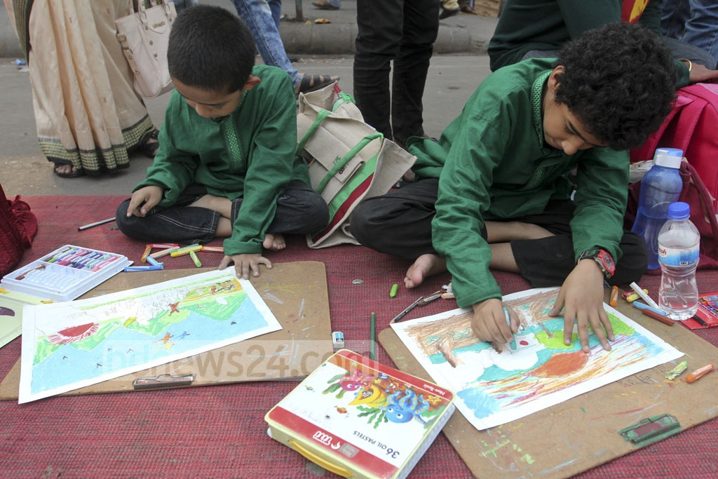 Ganajagaran Mancha organises a painting competition for adoloscents to celebrate its fifth anniversary on Monday. Photo: Abdullah Al Momin