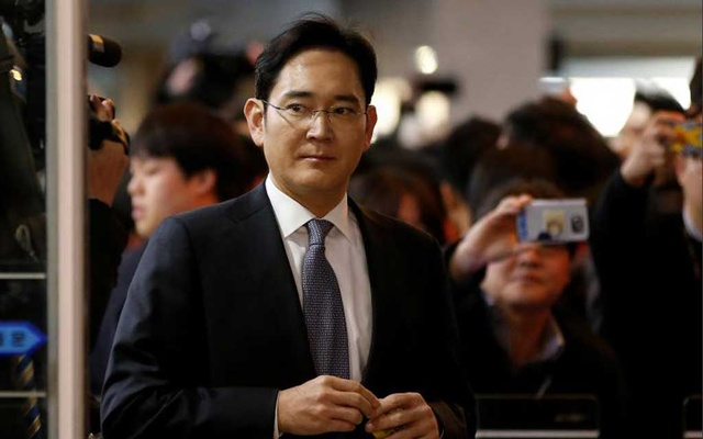 File Photo: Samsung Group heir Jay Y Lee arrives to attend a hearing at the National Assembly in Seoul, South Korea, Dec 6, 2016. Reuters