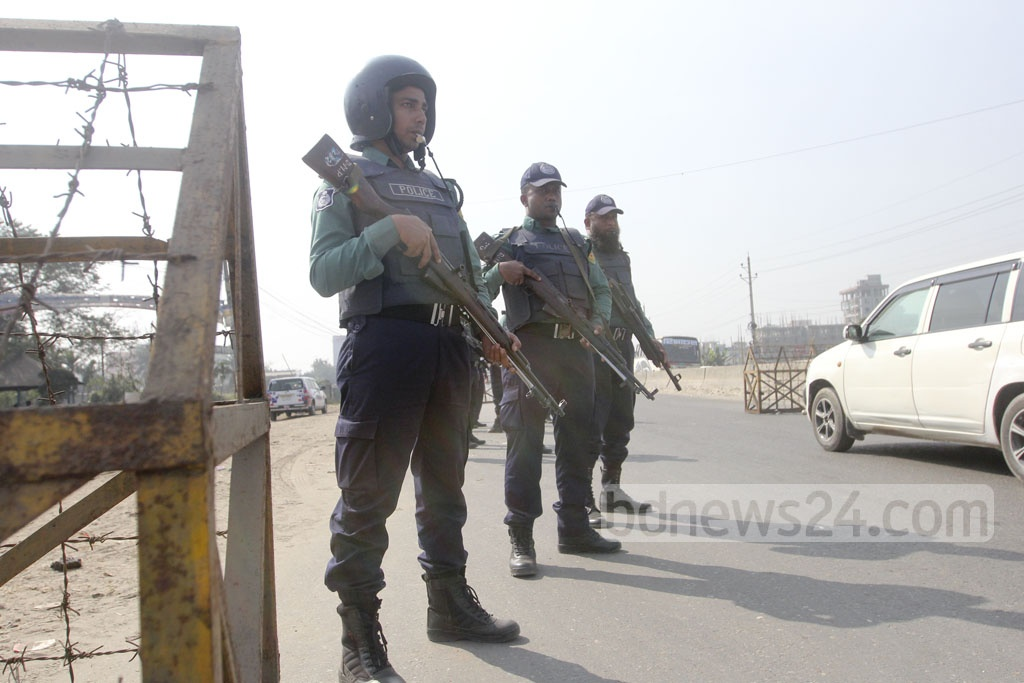 Police set up additional security check-posts at different parts of the capital on Wednesday ahead of the verdict of a graft case against BNP chairperson Khaleda Zia. Photo: Abdullah Al Momin