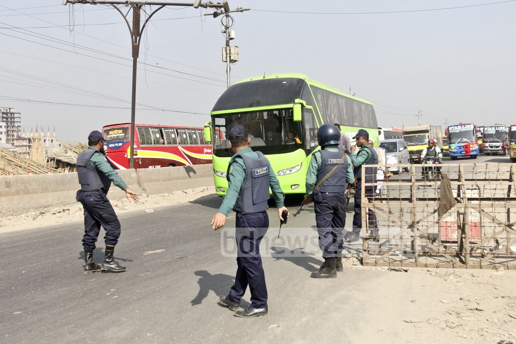 Police set up additional security check-posts at different parts of the capital on Wednesday ahead of the verdict of a graft case against BNP chairperson Khaleda Zia. This picture is taken from Signboard area. Photo: Abdullah Al Momin