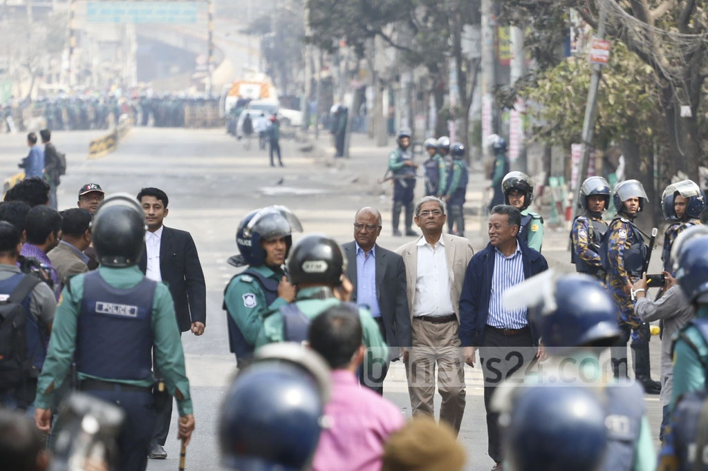 BNP Secretary General Mirza Fakhrul Islam Alamgir along with two standing committee members Khandaker Mosharraf Hossain and Amir Khasru Mahmud Chowdhury on their way to the special tribal at Bakhshibazar ‎where the judge handed down a five-year prison term to Khaleda Zia for embezzling foreign fund meant for Zia Orphanage Trust. Photo: Abdullah Al Momin