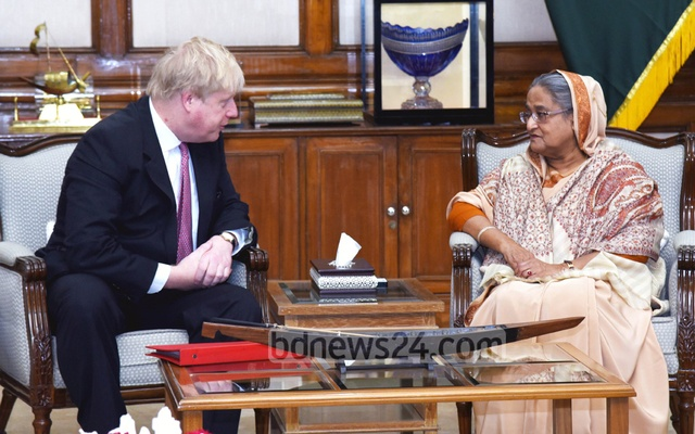 British foreign minister Johnson meets Myanmar's Suu Kyi to discuss Rohingya crisis