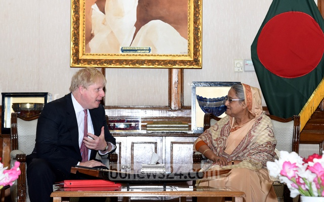UK's Boris meets Myanmar 's Suu Kyi on Rohingya crisis