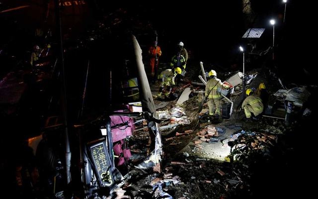 Hong Kong: 18 killed, 62 injured after bus overturns