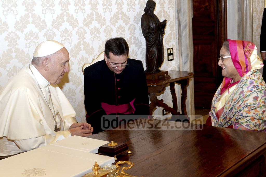 Prime Minister Sheikh Hasina met with Pope Francis on Monday at the Vatican City. Photo: PID