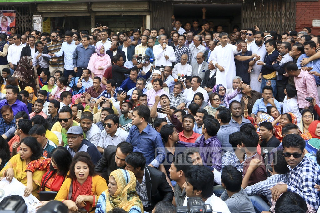 BNP Secretary General Fakhrul Islam Alamgir speak at a sit-in protest programme in front of the party's Naya Paltan office organised on Tuesday against the jailing of party chief Khaleda Zia and to demand her immediate release. Photo: Abdullah Al Momin
