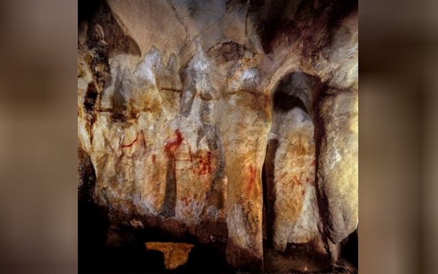 Neanderthal paintings can be seen in a cave in Pasiega, Spain in this photo obtained on Feb 22, 2018. University of Southampton/Reuters