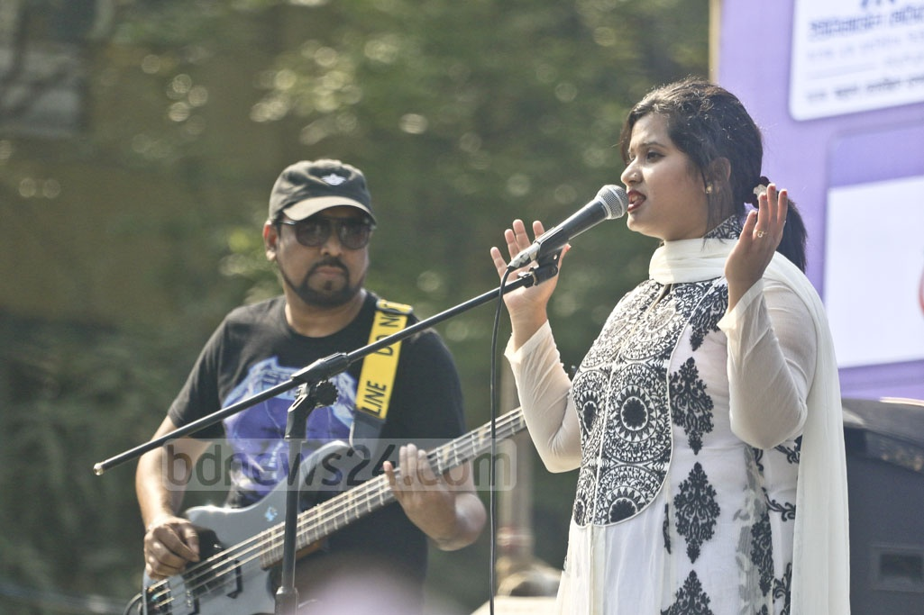 Singer Nazmun Munira Nancy performing at a concert organised by Universal Medical College Hospital at Sultana Kamal Sports Complex in celebration of International Women's Day. Photo: Abdullah Al Momin