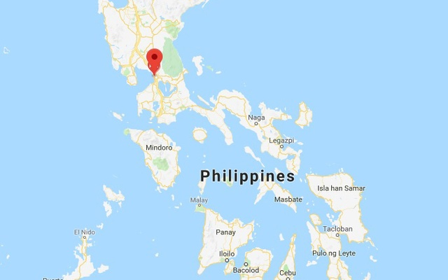 small plane crashes into house outside philippine capital killing