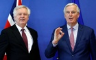 Britain's Secretary of State for Exiting the European Union David Davis and European Union's chief Brexit negotiator Michel Barnier pose ahead of a meeting in Brussels, Belgium, March 19, 2018. Reuters
