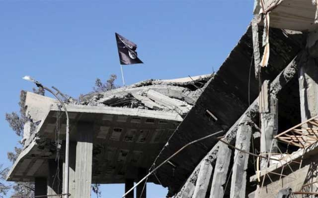 Syrian state TV says troops closing in on Douma