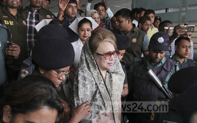 Khaleda Zia going to the BSMUU radiology and imaging department. Photo: asif mahmud ove