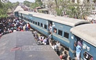 Four carriages of a train travelling from Jamalpur to Dhaka derailed in Tongi on Sunday. Photo: Asif Mahmud Ove