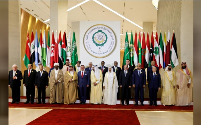 Arab leaders pose for the camera, ahead of the 29th Arab Summit in Dhahran, Saudi Arabia Apr 15, 2018. Reuters