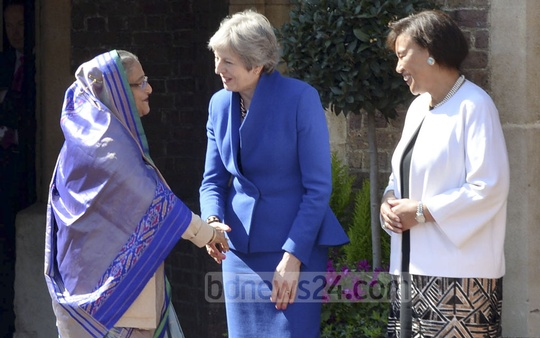 British Prime Minister Theresa May and Commonwealth Secretary-General Dominica's Patricia Scotland welcome Prime Minister Sheikh Hasina as she arrives at St James's Palace in London to attend the Commonwealth Heads of Government Meeting.