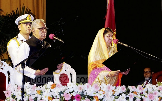 President Md Abdul Hamid being sworn in as President of Bangladesh for the second consecutive term of five years. Speaker Shirin Sharmin Chaudhury administered the oath at the Bangabhaban on Tuesday. Photo: Press Wing, Bangabhaban.