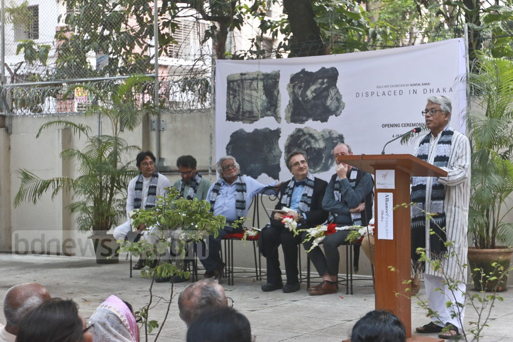 Former vice-chancellor of BUET Nazrul Islam at Kuntal Barai's first solo painting exhibition.