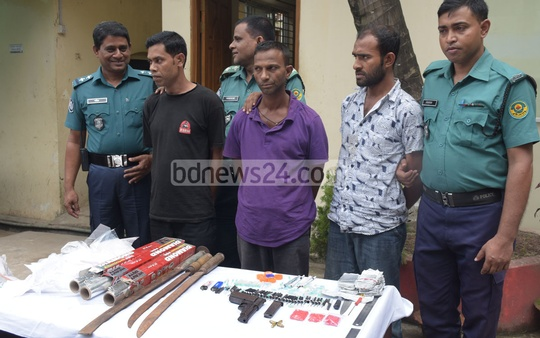 Three people have been detained with arms and ammunition from Barishal colony, known as the den of Chattogram's contraband drugs. Photo: Suman Babu