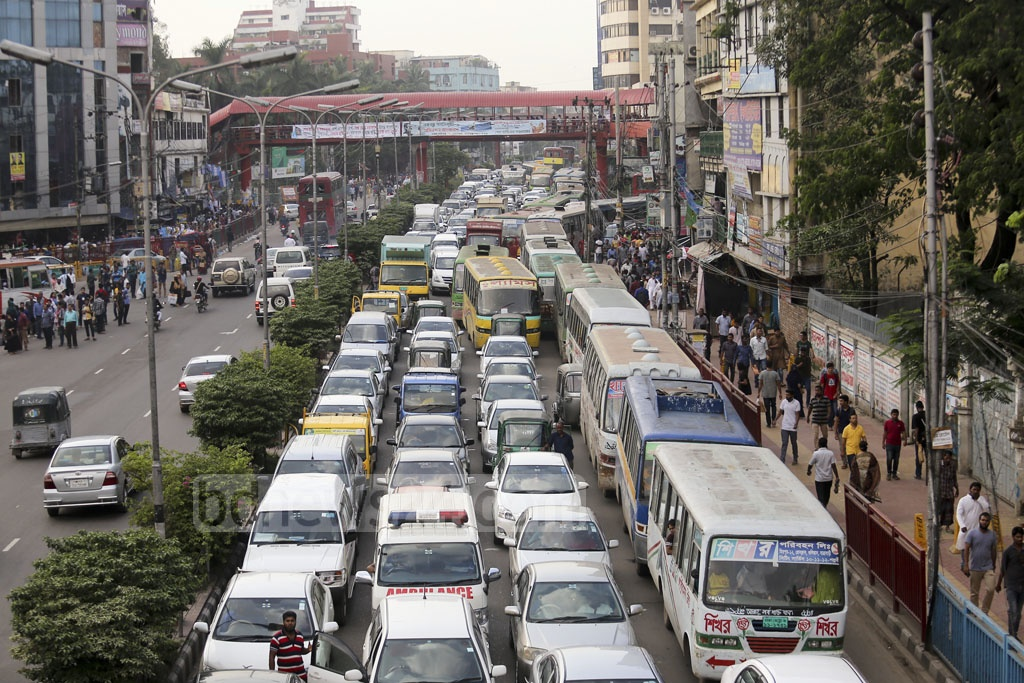 Commuters in Dhaka experienced traffic congestion on weekly holiday Saturday. Photo: Mahmud Zaman Ovi