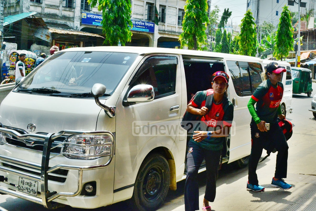 Salma Khatun was driven back to hotel in a comfortable ride on air-conditioned microbuses on Wednesday, a day after the members of the Bangladesh women squad were transported by a local bus for the last time. Photo: Suman Babu