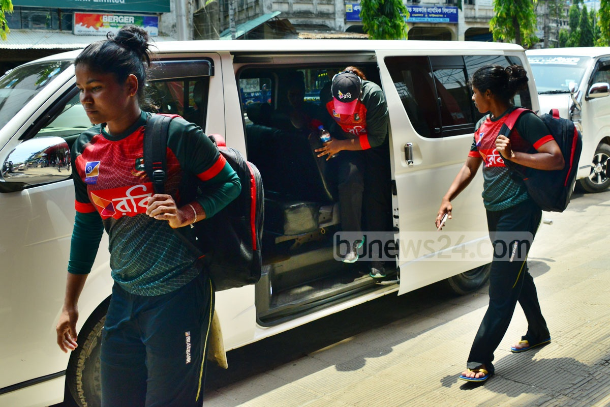 Sanjida Islam, Nahida Akter and others going back to their hotel from practice on Wednesday after a microbus ride. Photo: Suman Babu