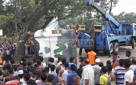 At least 18 people were killed when a bus overturned after hitting a tree in Gaibandha on Saturday. The death toll in road crashes across Bangladesh was 39.